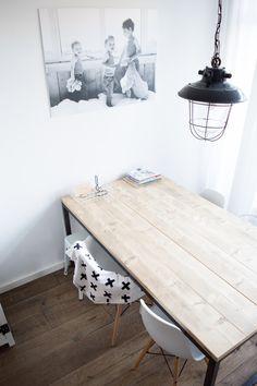 Steigerhouten tafel #industrial #tafel #steigerhout #witwonen
