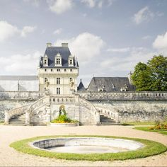 """На этой неделе рассказываем вам самое интересное о замке Валансе. Начинаем ;) #loire_chateaux #долиналуары #loire #rendezvousenfrance #valencay #валансе"""