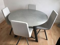 Modern Moon round table in ceramic with Candy dining chairs in fabric. Delivered to our client in London. Dining Chairs, Dining Table, Leather Bed, Sofa Design, Modern Bedroom, Contemporary Furniture, Sofas, Moon, Candy