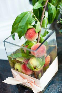 pretty peach centerpieces | Michelle Lindsay #wedding