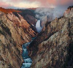 Grand Canyon of the Yellowstone, Yellowstone National Park, Wyoming, Artist Point, sunrise, waterfall