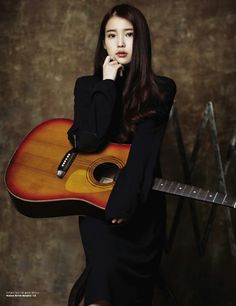 IU 아이유 - I really like her acoustic covers.