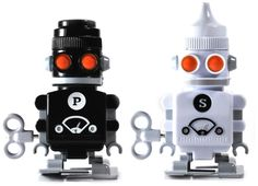SUCK UK Salt and Pepper Robot Shakers: Amazon.ca: Home & Kitchen
