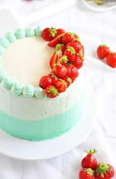 ... matcha tea, wild strawberry and vanilla ombre cake ...