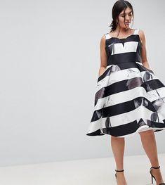 Coast Plus Stripe on Floral Skater Dress - Plus Size Curvy Women Fashion, Womens Fashion For Work, Plus Size Fashion, White Fashion, Fashion Over 40, Fashion Looks, Dress Plus Size, Plus Size Outfits, Vestido Skater Floral