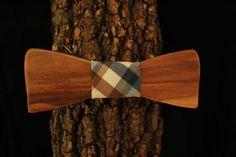 Papillon in legno di ulivo fatto a mano by Aroundthewood on Etsy
