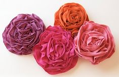 T shirt flowers tutorial.  All the ruffles on these flowers are very full and pretty.