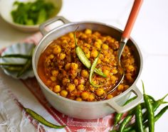 Chickpea curry Jamie Oliver http://www.jamieoliver.com/magazine/recipes-view.php?title=chickpea-curry