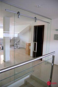 Sklenená stena s posuvnými dverami Bathtub, Mirror, Bathroom, Furniture, Home Decor, Standing Bath, Washroom, Bathtubs, Decoration Home