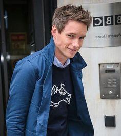 いいね!933件、コメント3件 ― Eddie Redmayne ❤️さん(@amazingeddieredmayne)のInstagramアカウント: 「Have a great weekend  #eddieredmayne #cheekbones #freckles #british #newt #fantasticbeasts…」