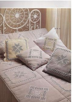 Isn't this the most gorgeous bedspread you have ever seen?? HARDANGER CORRETO 2 - GISELI - Picasa Web Albums