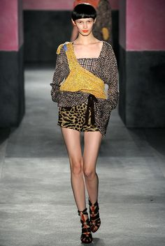 Paul Smith - Spring 2010 Ready-to-Wear - Look 19 of 37