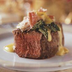 Beef Tenderloin with Jumbo Lump Crab and Bernaise Sauce Meat Recipes, Cooking Recipes, Weber Recipes, Recipies, My Favorite Food, Favorite Recipes, Favorite Things, Bearnaise Sauce, My Burger