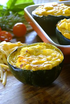 Gem squash [acorn squash] is one of South Africa's most popular vegetables – try out these that are stuffed with a creamy corn and cheese filling!add some crispy fried bacon, and leave the garlic! Vegan Recipes Plant Based, Veggie Recipes, Fall Recipes, Vegetarian Recipes, Gem Squash, Acorn Squash, Veg Dishes, Vegetable Dishes, Side Dishes