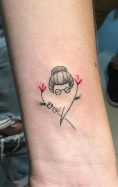 Se a sua ideia é fazer uma  com essa temática, então, além de escolher o desenho, tem de dar atenção igualmente ao simbolismo dele.    Não sabe por onde começar?    Então siga lendo e descubra várias sugestões para fazer a sua! Anime Tattoos, Hair Tattoos, Mini Tattoos, Body Art Tattoos, Tatoos, Muster Tattoos, Unique Tattoo Designs, Gaming Tattoo, Harry Potter Tattoos