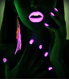 glow in the dark nails and lips..so hip