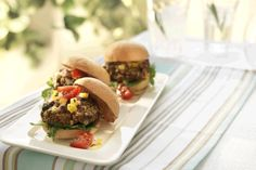 These yummy mini burgers, are just the right bite for our pint-sized burger fans or serve them up as sliders for appetizers. Vegetarian Barbecue, Barbecue Recipes, Vegetarian Cooking, Vegetarian Recipes, Mini Burgers, Turkey Burgers, Veggie Burgers, Hamburger Recipes, Beef Recipes