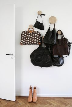 Saved by Lidya Willy (lidyaweee). Discover more of the best Interior, Deco, Muuto, Dots, and Trendenser inspiration on Designspiration Beautiful Interior Design, Best Interior Design, Hallway Inspiration, Design Inspiration, Handbag Storage, Door Entryway, Displaying Collections, Scandinavian Interior, Interiores Design