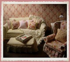mini shabby living room