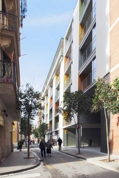 Apartment Building and Learning Center In Barceloneta District / EC Compta Arquitectes S.L.