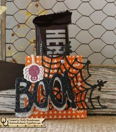 Holly's video to make this treat pouch: Howl-o-ween Treat, Happy Haunting dsp, Spider Web Doilies, Boo to You framelits, & more - all from Stampin' Up!