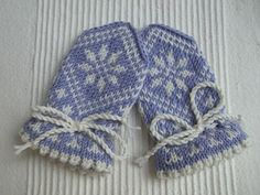 Ravelry: Traditional Child Mitten without thumb pattern by Randi K Design Knitting For Kids, Baby Knitting, Crochet Baby, Knit Crochet, 4 Kids, Children, Baby Hats, Fiber Art, Mittens