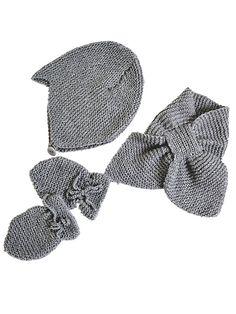 Strikkeopskrift: Hue, vanter og halstørklæde til baby