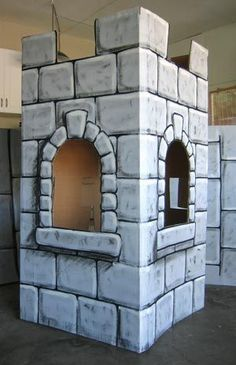 Mighty Fortress VBS 2017 DIY castle out of cardboard idea Cardboard Castle, Cardboard Crafts, Painting Cardboard, Cardboard Sculpture, Medieval Party, Knight Party, Castle Wall, Brick Design, Brick Patterns