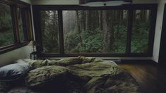 I made changes to make this photo my own personalized cozy :) - Ansichten Dream Rooms, Dream Bedroom, Master Bedroom, Forest House, Cozy Room, Cozy Place, Aesthetic Bedroom, House Rooms, My Dream Home