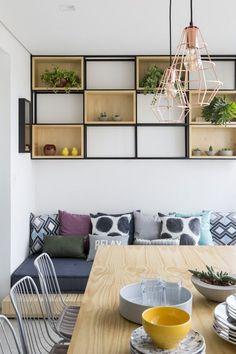 madeira clara e decor de tons suaves desenham apartamento de 100 m foto julia
