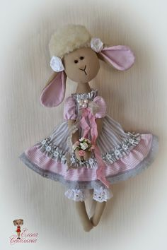 Soul of a rag doll: Минни Doll Crafts, Diy Doll, Doll Clothes Patterns, Doll Patterns, Fabric Toys, Bear Doll, Doll Tutorial, Sewing Toys, Soft Dolls