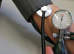 ¿Qué puede causar la hipertensión?: Síntomas y cuidados