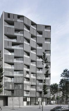 Edificio de 68 viviendas, locales comerciales y apartamientos by Ferrater & Asociados Architects, Spain