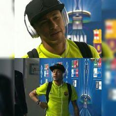 """FC Barcelona players arrive at the Olympiastadion Berlin ❤❤❤❤❤❤❤❤❤❤❤"" Fc Barcelona Players, Neymar Jr, Shakira, Soccer Players, Idol, Hero, Instagram Posts, Life, Saints"