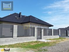 1_ogrodzenia_palisadowe_poziome House Fence Design, Fence Gate Design, Modern Fence Design, Side Yard Landscaping, Backyard Fences, Arch House, House Wall, Modern Front Yard, Boundary Walls