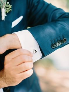 Cartier Cufflinks for Groom | photography by http://amyarrington.com