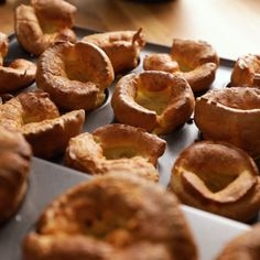 How to make the perfect Yorkshire puddings to go with your Sunday roast! What type of flour? Should the batter be refrigerated? Can you make ahead? All your questions answered! Best Yorkshire Pudding Recipes, How To Make Yorkshire Pudding, Homemade Yorkshire Puddings, Yorkshire Pudding Recipe Video, What Is Yorkshire Pudding, Yorkshire Pudding Jamie Oliver, Yorkshire Recipes, Roast Recipes, Gourmet Recipes