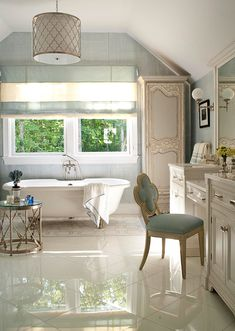 A dream bathroom with dressing table. Vanity table # House # Decoration # beautiful - Bathroom Decor Id Interior Design Blogs, Home Interior, House Of Turquoise, Bad Inspiration, Bathroom Inspiration, Bathroom Ideas, Design Bathroom, Bathtub Ideas, Bathroom Colors