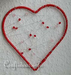 Craft Idea for Valentine's Day - Dreamcatcher Heart