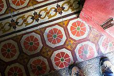 rusticmeetsvintage:  - by -Alice Bernardo- #flickstackr  Flickr: http://flic.kr/p/8EcqhB