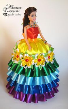 Barbie Chocolate Bouquet You Can Make for Next Birthday Party Barbie Cake, Barbie Dress, Barbie Clothes, Dress Up, Dress Clothes, Silk Ribbon Embroidery, Hand Embroidery Designs, Recycled Dress, Beautiful Barbie Dolls