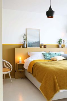 MY ATTIC voor KARWEI / diy headboard / bedroom / slaapkamer / ochre / oker Photo. MY ATTIC for KARWEI / diy headboard / bedroom / bedroom / ocher / ocher Photography: Marij Hessel Home Decor Bedroom, Modern Bedroom, Bedroom Wall, Bedroom Ideas, Bedroom Inspo, Minimal Bedroom, Master Bedroom, Edgy Bedroom, Bed Wall