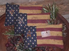 3 Primitive Americana USA Flags July 4 Patriotic Ornies Bowl Fillers  #Americana #ChooseMoosePrimitiveDesigns Americana Crafts, Patriotic Crafts, Patriotic Decorations, July Crafts, Primitive Crafts, Summer Crafts, Potpourri, Wool Quilts, Shabby Chic Crafts