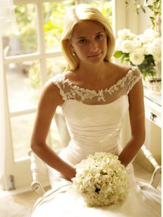 Making your perfect wedding come to life is not a simple task. As simple As it might sound, seeking the classy elegant wedding dress is a herculean job. Because a wedding is a rather exciting moment! Wedding Robe, Elegant Wedding Dress, Wedding Attire, Wedding Gowns, Lace Wedding, Modest Wedding, Wedding White, Wedding Decor, Perfect Wedding
