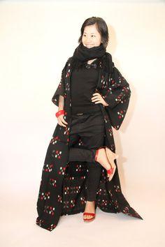 Black patterned Japanese vintage summer kimono yukata by CJSTonbo