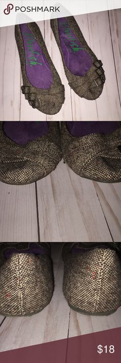 Blowfish Malibu buckle tweed like flats 9 shoes Good used condition. Size 9 Blowfish Shoes Flats & Loafers
