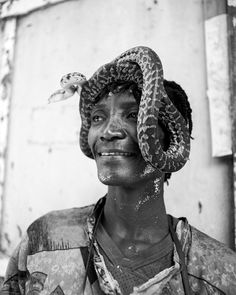 Photos of Spirits and Snake Charmers at Haiti's Annual Vodou Street Party | VICE | United States