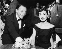 Frank Sinatra and Audrey Hepburn, 1956 Hollywood Old Hollywood, Golden Age Of Hollywood, Hollywood Glamour, Hollywood Stars, Hollywood Icons, Audrey Hepburn, Elvis Presley, Franck Sinatra, Actrices Hollywood