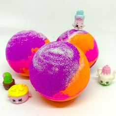 Bath bombs and products loaded with bright colours, delicious scents, bubbles, surprises and loads of fun!