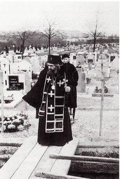 Pray Always, Sunday School Activities, Russian Icons, Russian Orthodox, Orthodox Christianity, Holy Family, Orthodox Icons, Sacred Art, Christian Life